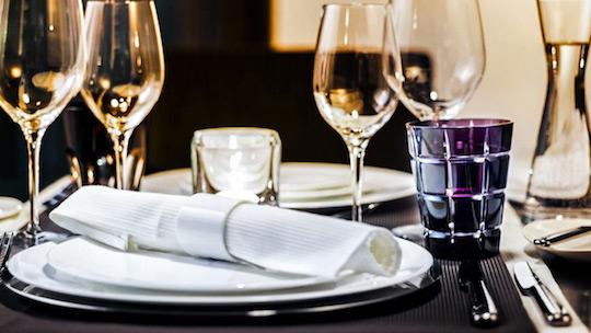 Ein gedeckter Tisch im Restaurant Eberhards